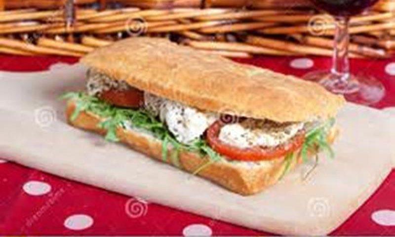 Tomato/Mozzarella Sandwich